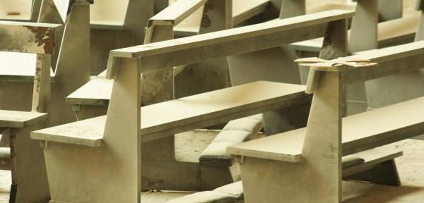 Basilica-Collemaggio---Aprile-2009.jpg